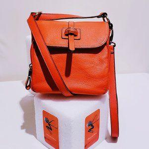 Tignanello Bags - 🆕Tignanello Leather Crossbody Messenger bag🐝💋